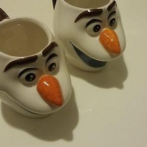 2 olaf coffee mugs